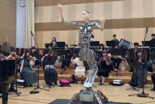 Alter 3 director de orquesta sin batuta ni partitura