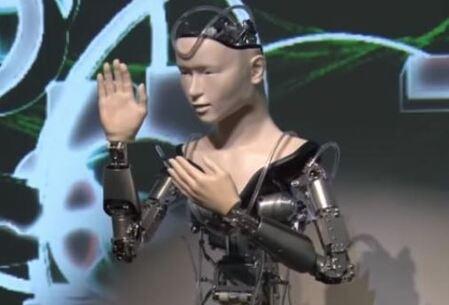 Un androide japones llamado Mindar es un monje budista